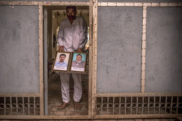 Ấn Độ: Nhiều gia đình bị xóa sổ do COVID-19, dân nghèo sợ hãi tới mức không dám nói mình bị sốt - Ảnh 2.