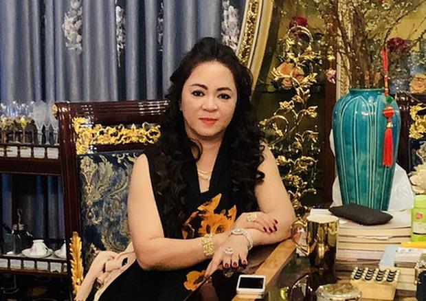 """Biến mới: Bà Ph̲ư̲ơ̲n̲ǥ Hằn̲ǥ tuyên bố sẽ tranʜ luận đối đầu với MC Nguyễn Cao Kỳ Duyên về drama """"khán ԍιả nuôi nghệ sĩ"""" - Ảnh 4."""