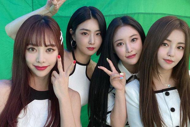Tháng 6 quá nóng dù thiếu BTS: TWICE chạm trán EXO, girlgroup từng chặn đứng Rosé sẽ đối đầu với Lisa? - Ảnh 8.