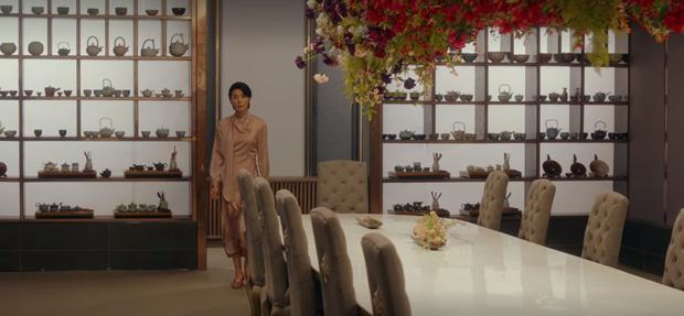 Phim 18+ Mine: Choáng ngợp với cuộc sống sang chảnh của giới siêu giàu, drama chân thật ăn đứt bom tấn Penthouse - Ảnh 5.