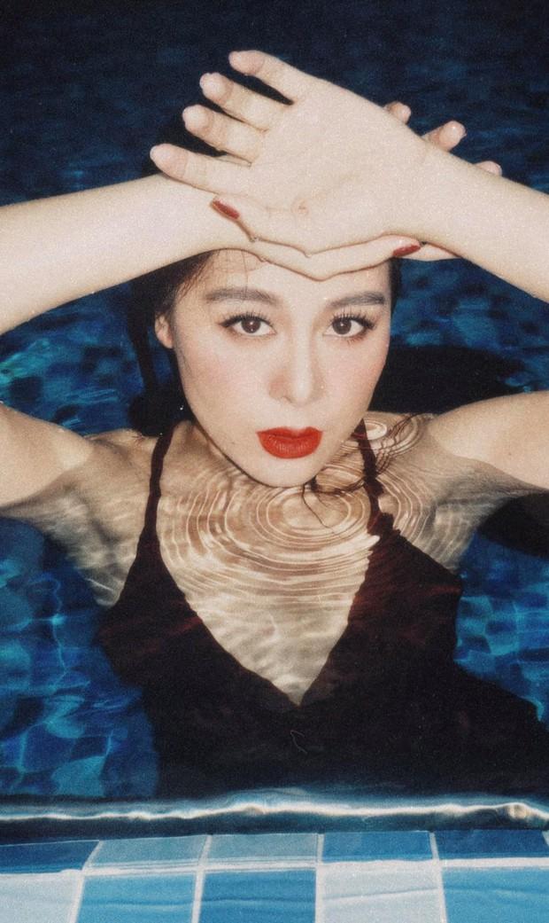 Nam Thư khiến fan xịt máu mũi trong bộ ảnh mới: Chụp trên bờ hay dưới nước thì Khánh Vân cũng cân tất - Ảnh 5.