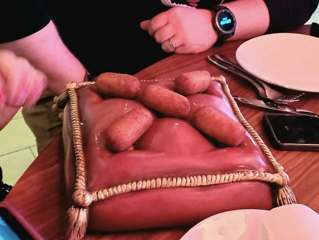 25 màn bày biện đồ ăn siêu cồng kềnh của nhà hàng, thực khách nhìn xong muốn buông đũa đi về tự nấu cơm cho gọn - Ảnh 18.