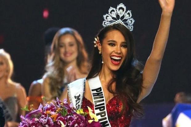 Cả dàn Hoa hậu và người đẹp Việt dính nghi án dùng hàng pha ke vì sở hữu 1 mẫu vương miện fake - Ảnh 3.