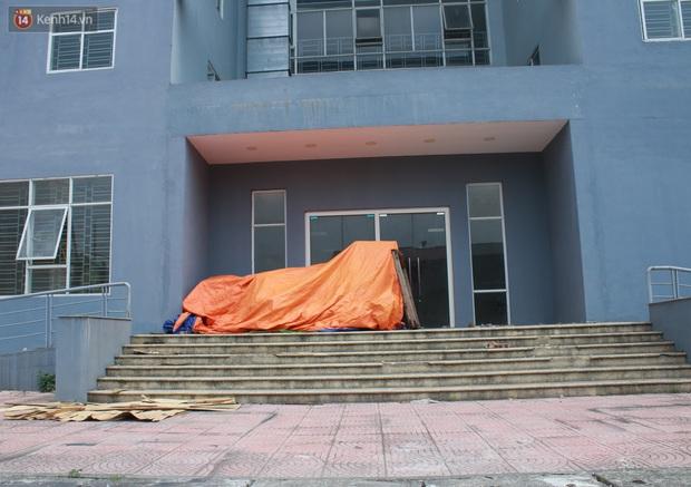 Hà Nội: Xót xa chung cư bỏ hoang trên đất vàng trở thành nơi đổ rác, kim tiêm la liệt - Ảnh 9.