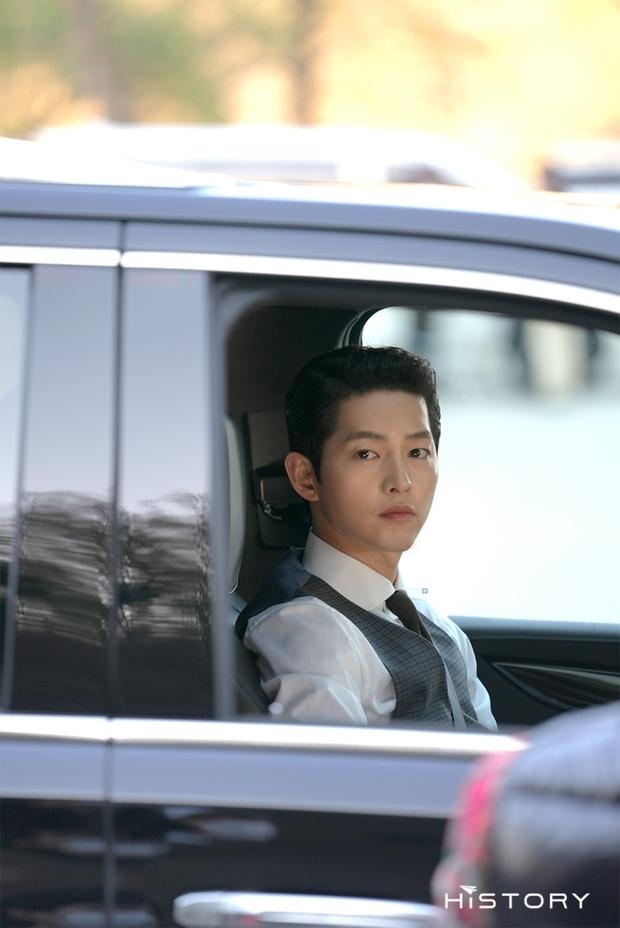 Tưởng ly hôn Song Hye Kyo thì tuột dốc nhan sắc, giờ Song Joong Ki đã làm được cú twist bùng nổ nhan sắc quá mlem - Ảnh 3.