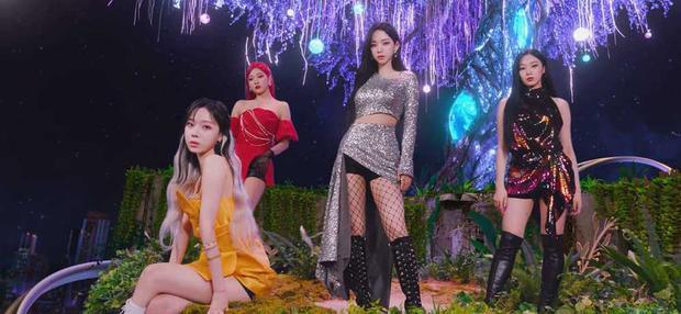 SM sắp debut nhóm mới đấy à: Tên nghe giống BLACKPINK nhưng lại liên quan đến aespa? - Ảnh 3.
