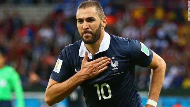 Benzema chính thức trở lại tuyển Pháp sau 6 năm kể từ bê bối dùng video nhạy cảm tống tiền đồng đội - Ảnh 1.