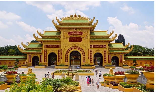 Trước khi bà Phương Hằng cấm cửa nghệ sĩ Việt đến KDL Đại Nam, đâu là MV cuối cùng được thực hiện tại địa điểm này? - Ảnh 7.
