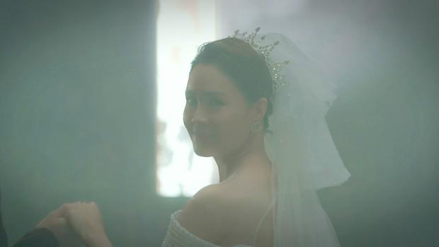 Lộ ảnh Châu làm đám cưới với trai lạ, Kiên hùng hổ đến cướp dâu ở Hướng Dương Ngược Nắng 2? - Ảnh 1.