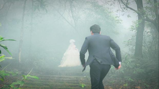 Lộ ảnh Châu làm đám cưới với trai lạ, Kiên hùng hổ đến cướp dâu ở Hướng Dương Ngược Nắng 2? - Ảnh 2.