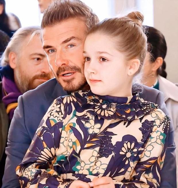 David Beckham tận tay chuẩn bị bữa trưa cho cô con gái út, fan tan chảy khi thấy món ăn của ông bố quốc dân - Ảnh 3.