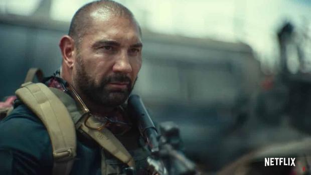 5 lý do Army of the Dead là bom tấn zombie đáng hóng nhất tuần này: Bạo lực lẫn cảnh nóng dồn dập, khán giả thế giới chấm điểm cực cao! - Ảnh 10.