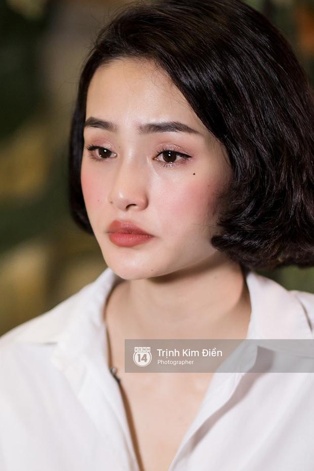 Netizen lại choáng với nhan sắc mới của Hiền Hồ: Cằm méo mó, gương mặt đơ cứng đáng ngại thật đấy! - Ảnh 5.