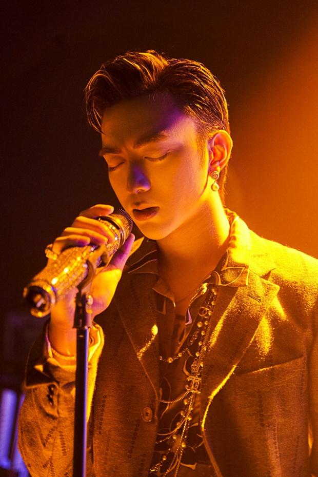 Sự thật phía sau nghệ danh ca sĩ Vpop: Sơn Tùng - Jack lựa tên rất ý nghĩa, Erik bốc đại còn Hoà Minzy chuẩn fan Kpop! - Ảnh 13.