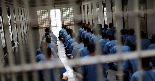 Thái Lan phát hiện hơn 10.000 ca COVID-19 trong hàng loạt trại giam - Ảnh 1.
