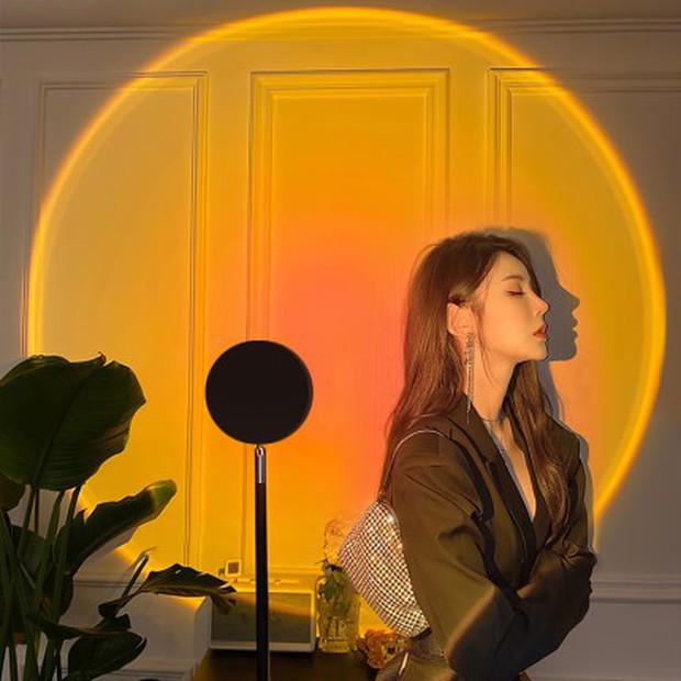 Học Rosé (BLACKPIN) và Taeyeon (SNSD) mua đèn cầu vồng siêu ảo diệu với giá chỉ hơn 100K - Ảnh 2.