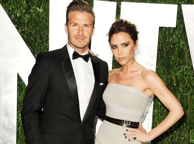 David và Victoria Beckham: Yêu ngay từ cái nhìn đầu tiên, suýt toang vì phốt chồng ngoại tình với trợ lý trẻ và cái kết khiến cả thế giới trầm trồ - Ảnh 2.