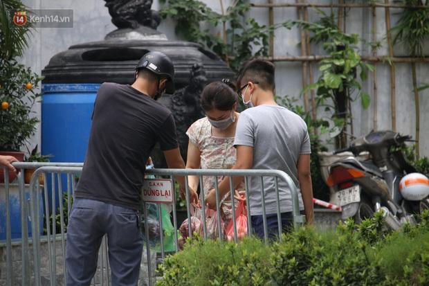 Hà Nội: Nữ nhân viên quán bar trú tại quận Hoàng Mai dương tính với SARS-CoV-2 - Ảnh 2.