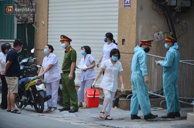 Hà Nội: Kết quả xét nghiệm nam lái xe liên quan chuyên gia người Trung Quốc và 3 F1 của nữ nhân viên quán bar - Ảnh 1.