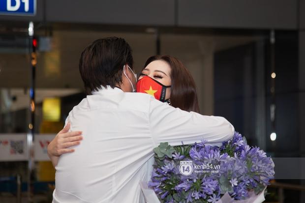 Hoa hậu Khánh Vân mang theo 15 vali sang Mỹ chinh chiến Miss Universe 2020, Á hậu Kim Duyên và fan có mặt cổ vũ - Ảnh 5.