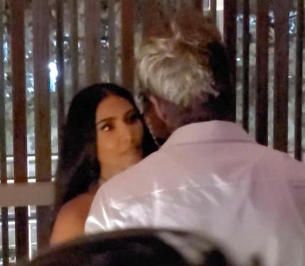 Victoria nổi trận lôi đình vì David Beckham tán tỉnh, hôn hít Kim Kardashian ngay trong sinh nhật mình? - Ảnh 4.