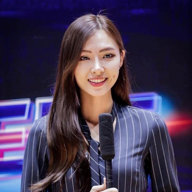 Bị bình luận khiếm nhã trên livestream, nữ MC Tốc Chiến chỉ âm thầm làm điều này khiến fan phục sát đất - Ảnh 6.