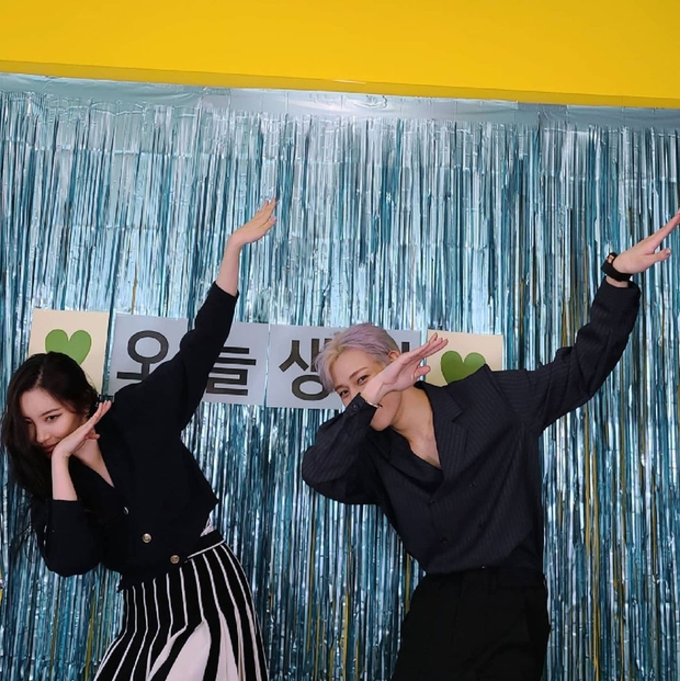 Sinh nhật hot nhất Kpop hôm nay: Lisa (BLACKPINK), Cha Eun Woo cùng loạt idol chúc mừng, Sunmi đến tận nơi quẩy chung - Ảnh 4.