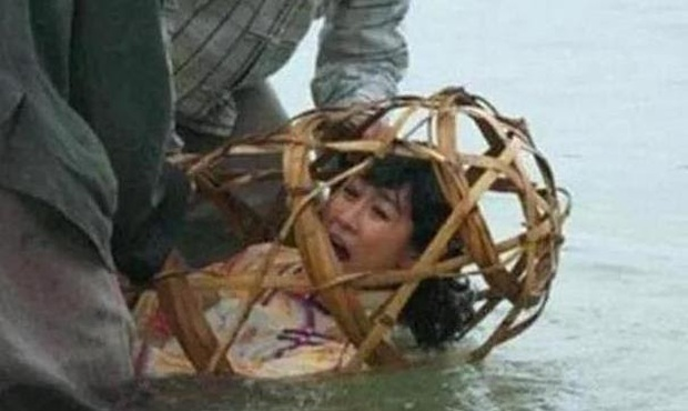 Những bộ xương người dưới đáy hồ Động Xanh - sự thật bi thảm về thân phận người phụ nữ trong xã hội phong kiến Trung Quốc - Ảnh 3.