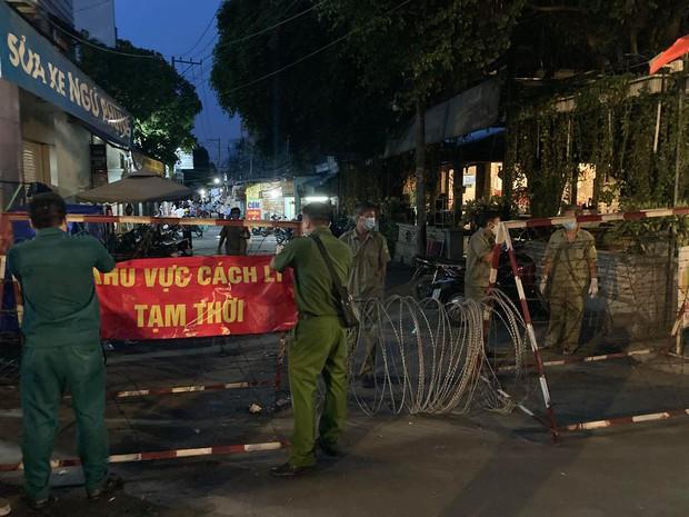 TP.HCM: Một phòng khám ở Gò Vấp bị tạm ngưng hoạt động, đưa 11 nhân viên đi cách ly tập trung - Ảnh 3.