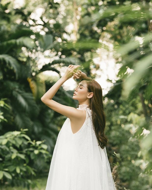 Võ Hoàng Yến khiến fan bất ngờ với bộ ảnh cực thơ và đầy nữ tính - Ảnh 6.