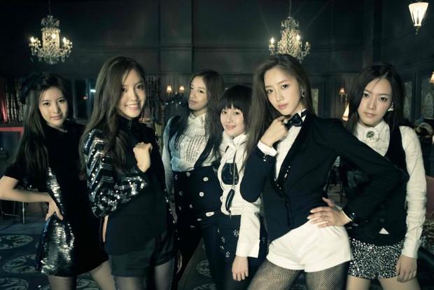 Visual lúc debut - tan rã của loạt nhóm nhạc Kpop: 2NE1 lên hương nhưng mặt Park Bom lại biến dạng, After School toàn mỹ nhân chân dài đắt giá - Ảnh 16.
