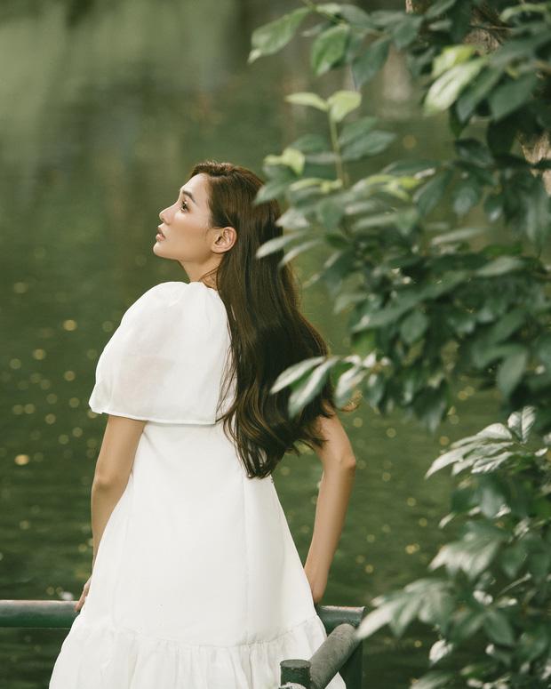 Võ Hoàng Yến khiến fan bất ngờ với bộ ảnh cực thơ và đầy nữ tính - Ảnh 7.