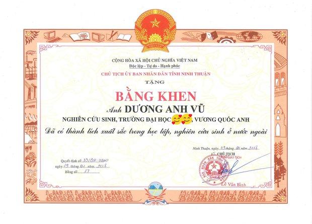 Kỷ lục gia trí nhớ Dương Anh Vũ đăng bảng điểm lẹt đẹt thời đi học: Thật ra tôi dốt đều các môn, nhưng tiếng Anh là dốt nhất - Ảnh 4.
