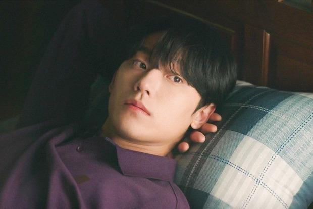 Youth of May: Bản nhạc tình yêu ngọt sủng viết bằng máu và cái chết, Lee Do Hyun bùng nổ visual khiến ai cũng đòi gả! - Ảnh 16.