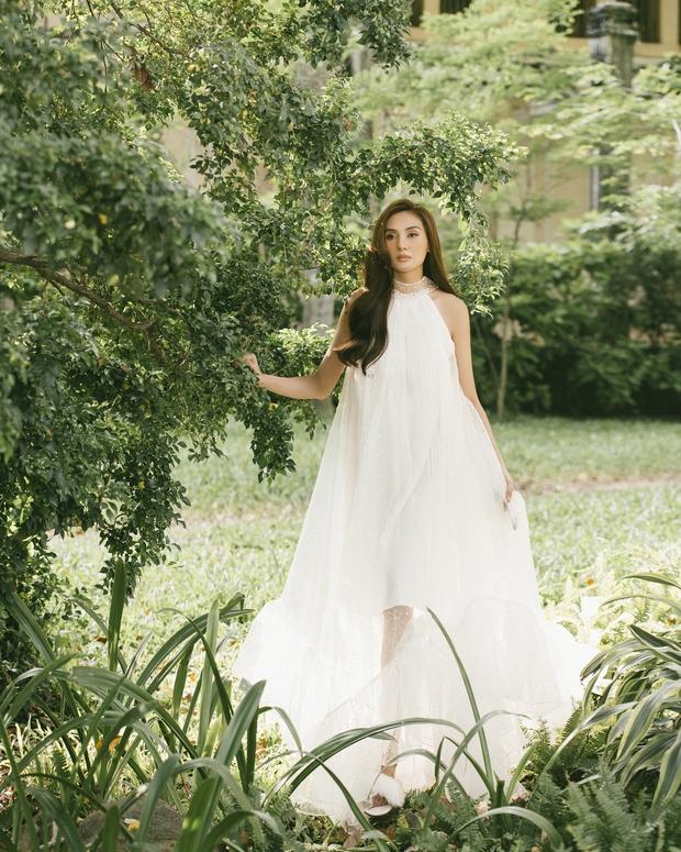 Võ Hoàng Yến khiến fan bất ngờ với bộ ảnh cực thơ và đầy nữ tính - Ảnh 3.