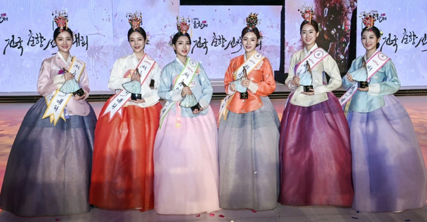 Hoa hậu truyền thống Hàn gây sốc với gương mặt méo xệch khi đăng quang, kéo đến ảnh đời thường lại há hốc vì visual thần thánh - Ảnh 3.