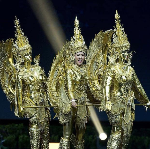 Thi 3 năm rồi, HHen Niê vẫn lọt BXH quốc phục gây bất ngờ nhất lịch sử Miss Universe, Khánh Vân - Hoàng Thuỳ cũng được nhắc tới - Ảnh 8.