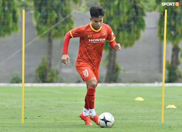 Tiết lộ lý do tuyển thủ U22 Việt Nam bị loại dù ghi bàn vào lưới ĐTQG: Không phải vì vô kỷ luật - Ảnh 1.
