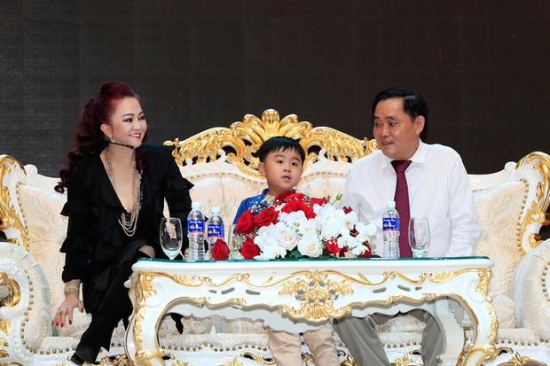 Con trai bà Phương Hằng: 1 tuổi đã xác định là người thừa kế khối tài sản khổng lồ, sinh nhật 18 tuổi nhận quà nghìn tỷ! - Ảnh 2.