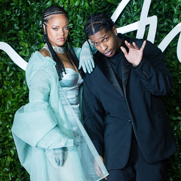 """Mới chia tay tỷ phú, Rihanna đã hẹn hò tình mới với danh tính bất ngờ: Thì ra là rapper quyền lực, còn tự xác nhận vì 7 năm chịu kiếp """"friendzone"""" - Ảnh 2."""