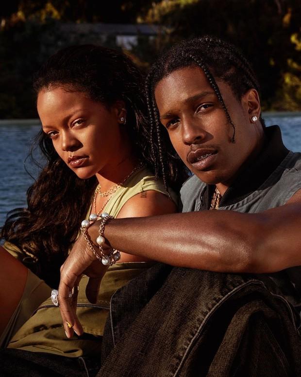 """Mới chia tay tỷ phú, Rihanna đã hẹn hò tình mới với danh tính bất ngờ: Thì ra là rapper quyền lực, còn tự xác nhận vì 7 năm chịu kiếp """"friendzone"""" - Ảnh 3."""