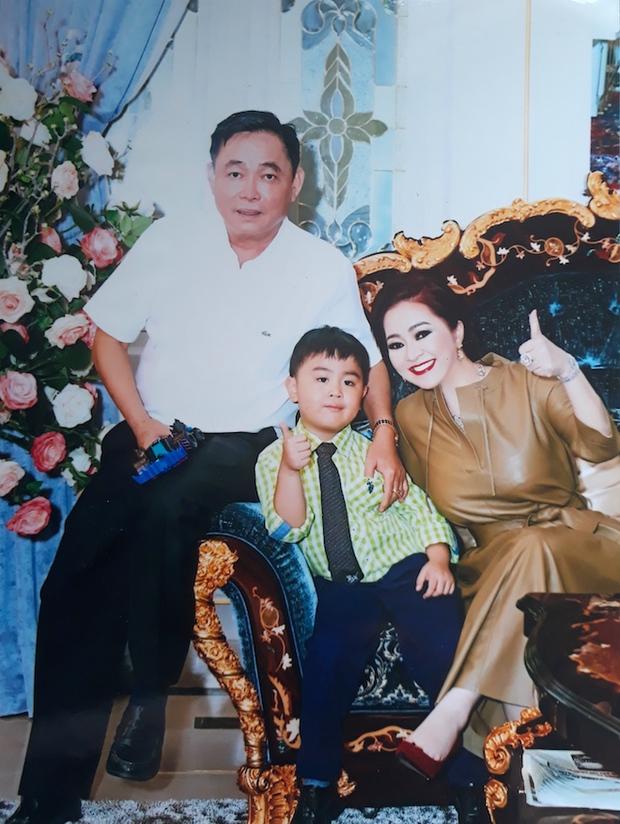 Con trai bà Phương Hằng: 1 tuổi đã xác định là người thừa kế khối tài sản khổng lồ, sinh nhật 18 tuổi nhận quà nghìn tỷ! - Ảnh 7.
