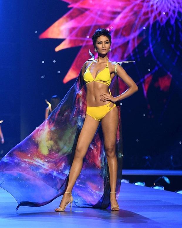 Khoảnh khắc xoay người, tung váy huyền thoại của HHen Niê tại Miss Universe 2018 bỗng hot trở lại - Ảnh 11.