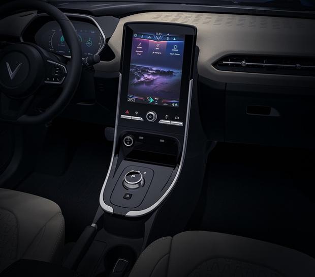 Cận cảnh nội thất trong ô tô điện VinFast VF e34 và hệ thống điều hòa lọc cả bụi mịn - Ảnh 3.