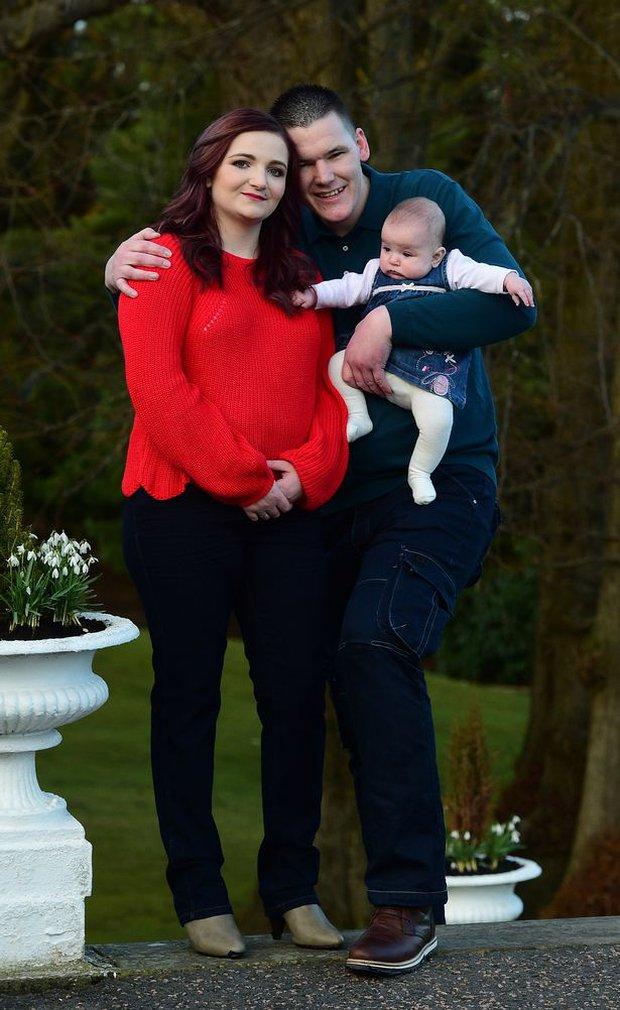 """""""Bà mẹ trẻ nhất nước Anh"""" mang bầu ở tuổi 11 sau khi bị chính anh trai ruột cưỡng bức khiến thế giới chấn động giờ ra sao? - Ảnh 6."""