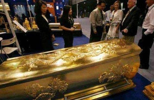Mở 3 lớp áo quan mới phát hiện một quan tài bằng vàng ròng, nhưng 13 năm qua không ai dám mở, lý do là gì? - Ảnh 3.