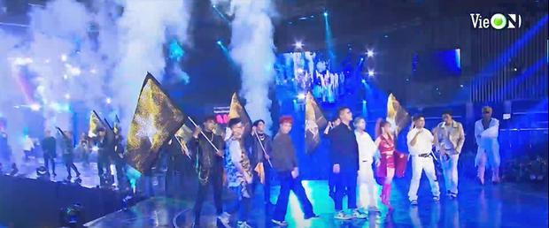 Hé lộ 2 sân khấu cực hot của Rap Việt All-Star Concert: 8 thí sinh Chung kết hòa giọng nổi da gà, Minh Tú và Tiểu Vy đốt mắt trên sàn diễn! - Ảnh 3.