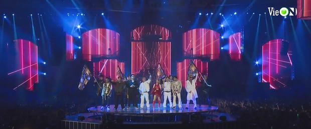 Hé lộ 2 sân khấu cực hot của Rap Việt All-Star Concert: 8 thí sinh Chung kết hòa giọng nổi da gà, Minh Tú và Tiểu Vy đốt mắt trên sàn diễn! - Ảnh 4.