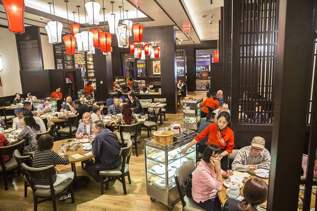Một TikToker hé lộ quan điểm phục vụ thượng đế ở các nhà hàng Trung Quốc, thế này ai dám bóc phốt? - Ảnh 2.