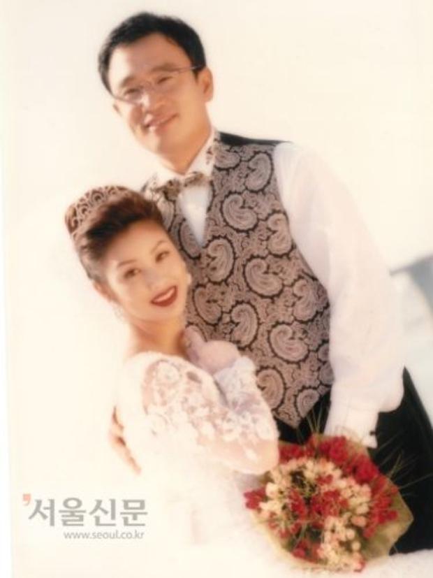 Mẹ Kim Tan: Cựu Hoa hậu bùng nổ ở Miss Universe, chuyện nuôi con gái người Việt và cuộc hôn nhân với đại gia khiến cả châu Á ngưỡng mộ - Ảnh 8.